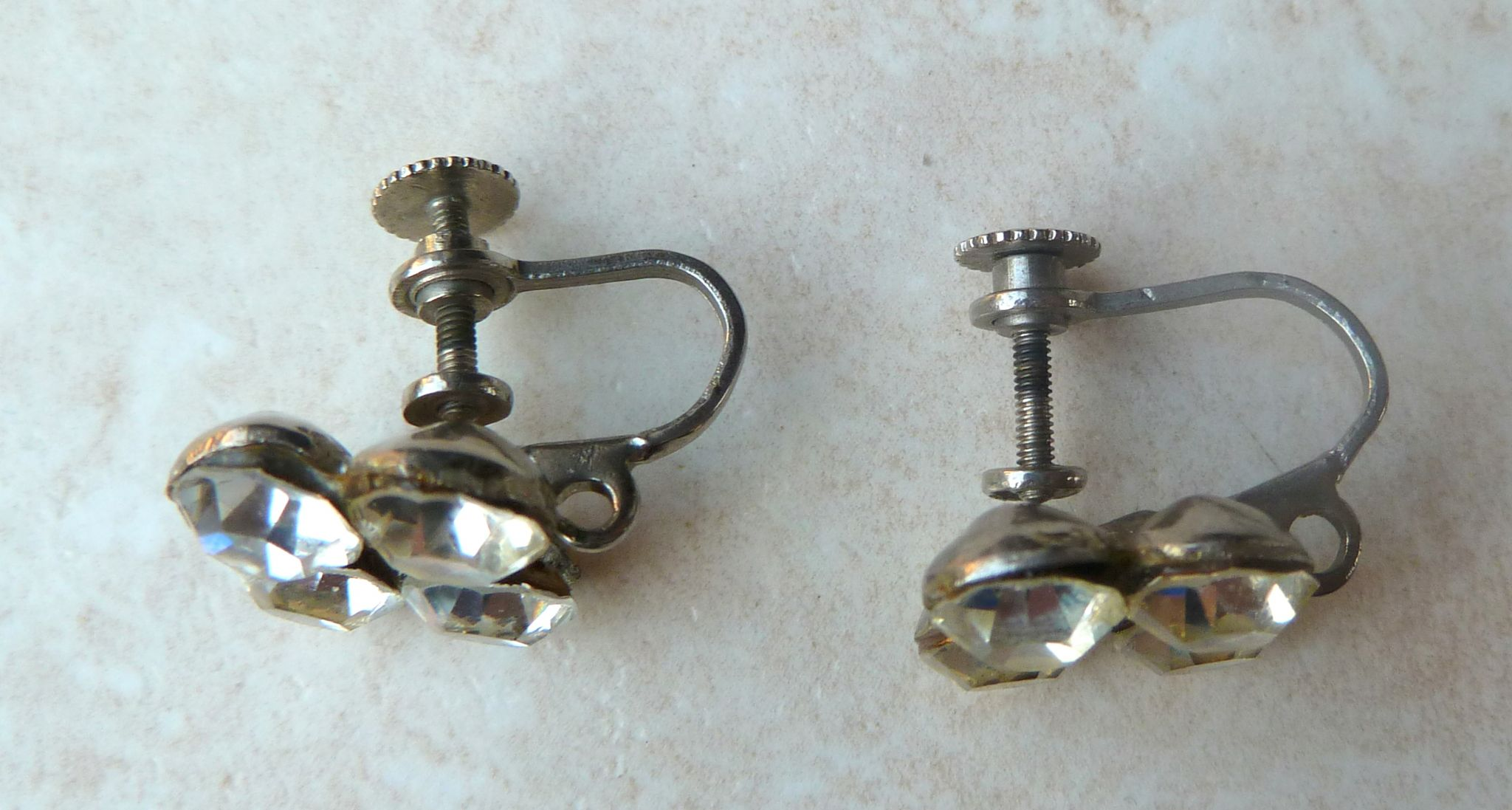 Vintage Screwback Earrings 82
